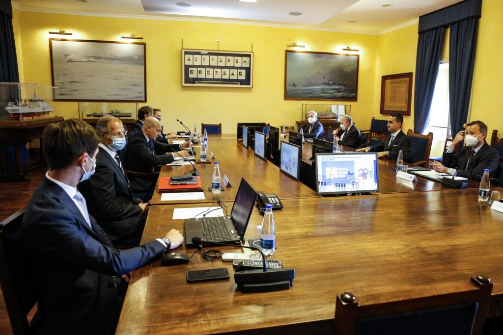 Il Direttore Generale di AID, Nicola LATORRE, incontra il Ministro degli Affari Esteri e della Cooperazione Internazionale, Luigi DI MAIO - 3