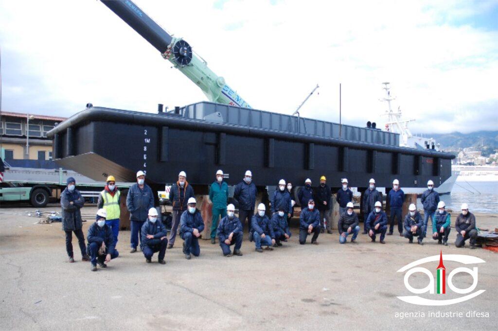 Varo del galleggiante della Marina Militare GL 793 presso l'Arsenale Militare di MESSINA - 3