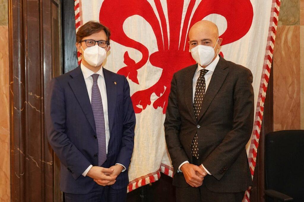 Il neo Direttore Generale dell'AID, Sen. NICOLA LATORRE, in visita allo Stabilimento chimico farmaceutico militare (Firenze) - 3