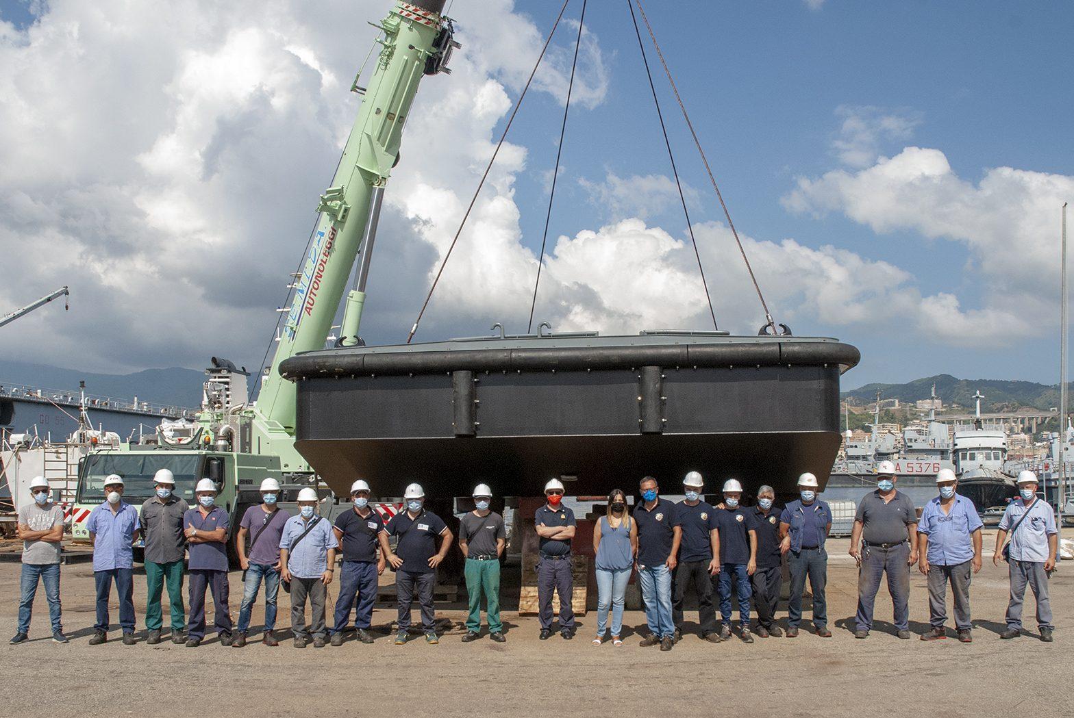Varato il secondo galleggiante GL 794 per la Marina Militare presso l'Arenale Militare di Messina - 1