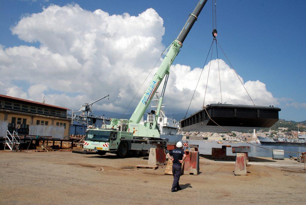 Varato il secondo galleggiante GL 794 per la Marina Militare presso l'Arenale Militare di Messina - 3